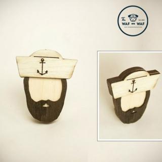 Деревянный значок #065 (моряк)