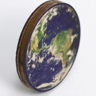 Купить деревянный значок