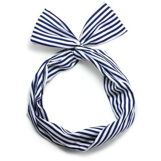 Сине-белая полосатая солоха с ушками