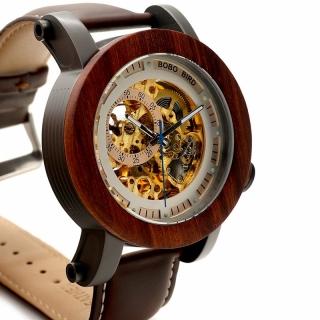 Наручные деревянные часы