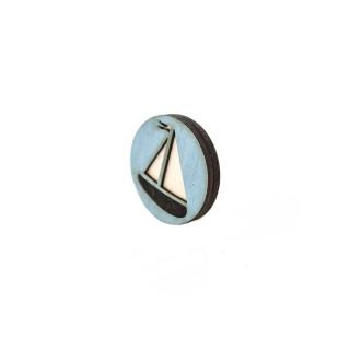 Деревянный значок кораблик