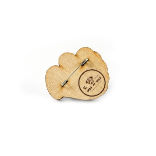 Деревянный значок сердце в руке