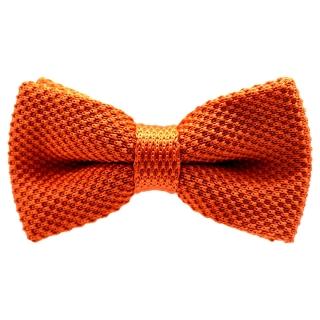 Вязаная бабочка оранжевого цвета