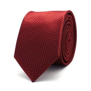 Красный узкий галстук с фактурой