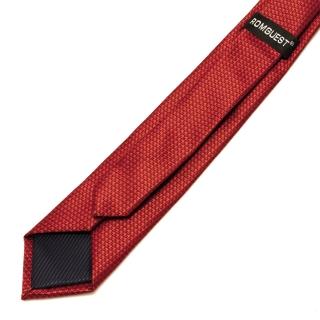 Яркий красный галстук