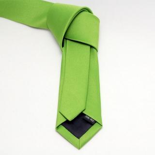 Узкий мужской галстук зеленого цвета