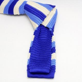 Вязаный мужской галстук в синюю полоску