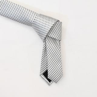Белый с черными точками галстук