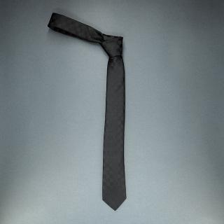 Недорогой узкий мужской галстук черного цвета с узором в виде шахматной доски
