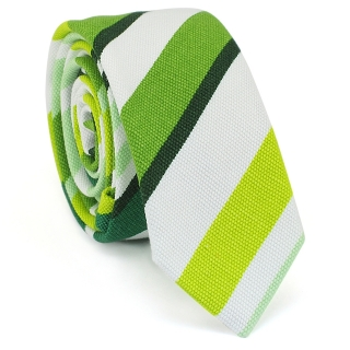 Купить узкий мужской галстук зеленого цвета с фактурным узором.