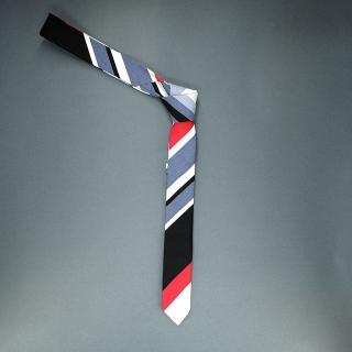 Недорогой узкий стильный мужской галстук в полоску