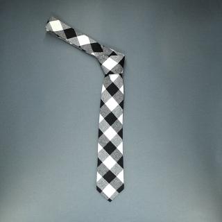 Недорогой узкий мужской стильный клетчатый галстук
