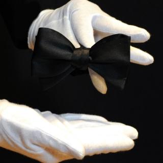 Черная галстук-бабочка самовяз