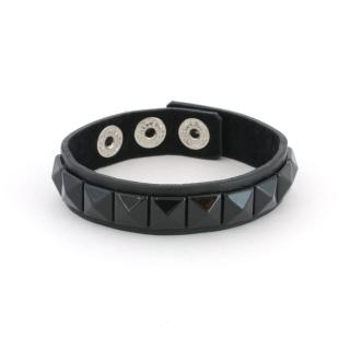 Купить черный браслет с заклепками