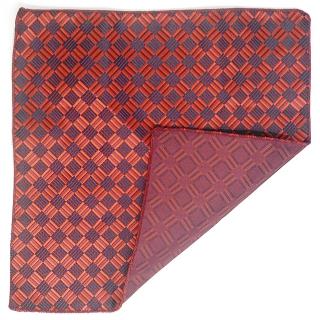 Нагрудный платок в красную клетку
