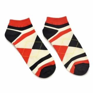Цветные носки с полосками и ромбами