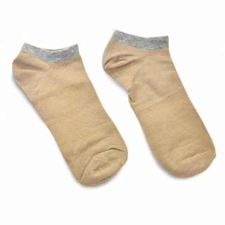 Бежевые носки с серой резинкой