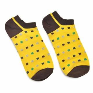 Яркие желтые носки с прямоугольниками