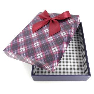 Подарочная картонная коробка с бантиком