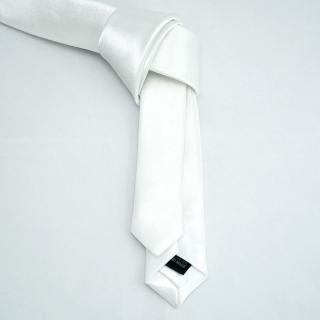 Стильный белый галстук