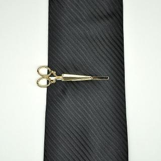 Держатель для галстука ножницы