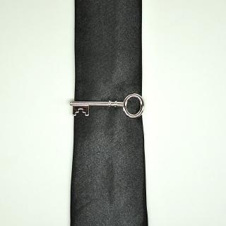 Держатель для галстука ключ